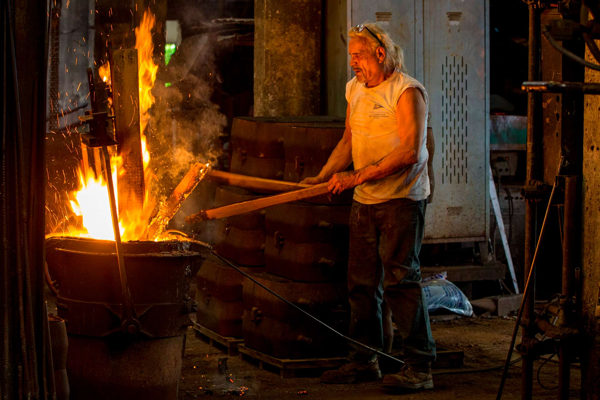 Molto spesso il lavoro in fonderia viene paragonato al lavoro in miniera, in verità – dice Omero – è vero che in fonderia si lavora in condizioni estreme, ma in piena sicurezza, ma è anche vero che è un lavoro che da tante soddisfazioni.
