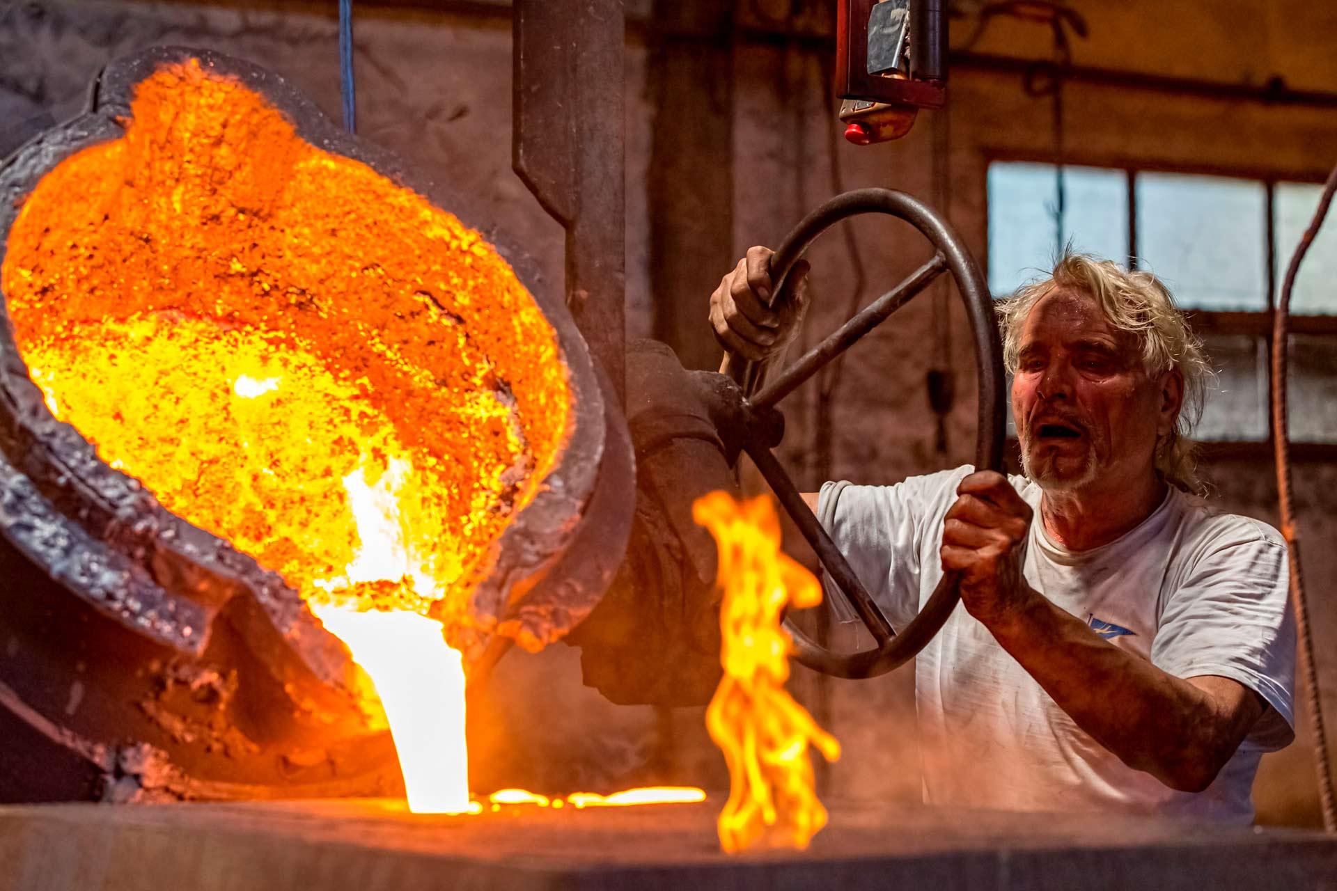 Il processo di fusione della ghisa in conchiglia è indicato principalmente per la produzione su larga scala di oggetti di piccole e medie dimensioni e con un buon livello di rifinitura.